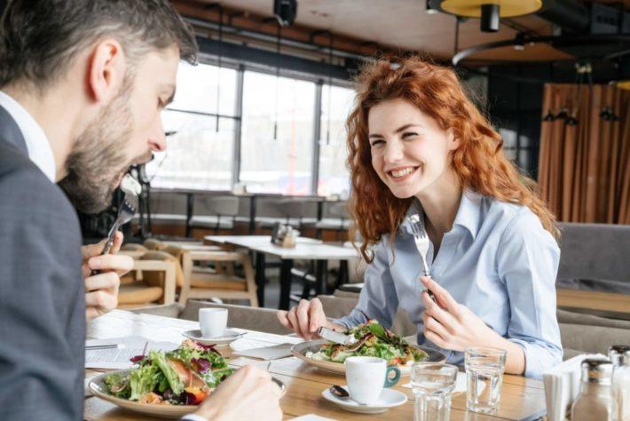 外国人男女のデート
