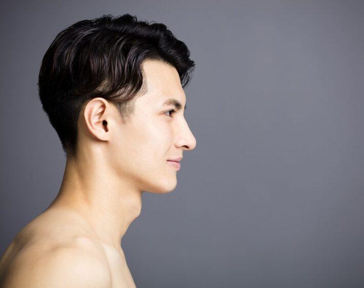 イケメン男性の横顔
