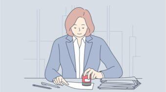 仕事をする女性
