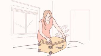 荷造りする女性