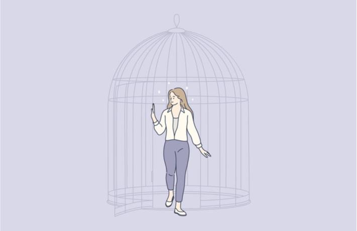 鳥籠の中の女性